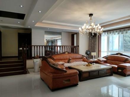 丰宁花苑豪装3房出售单位院子楼层极好全屋高端品牌家居,单价不到4000/平
