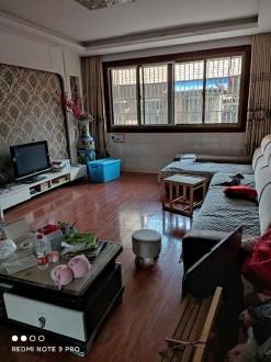 荆江广场 3室 130㎡ 40万